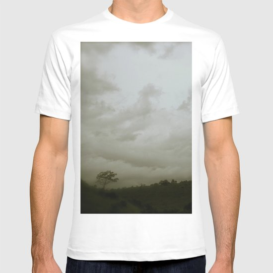 Dawn in the countryside T-shirt