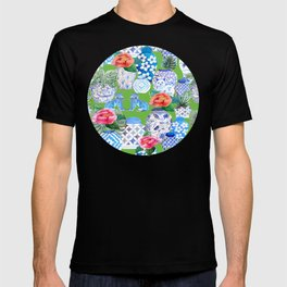 Chinoiserie chic style Ginger jar and foo dogs with peonies and pot plants T-shirt