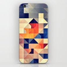 synny mwwve iPhone Skin