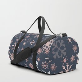 Beautiful Christmas pattern design with snowflakes Duffle Bag