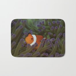 Crazy about clownfish Bath Mat