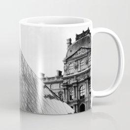 Pyramide de Louvre Coffee Mug