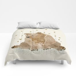 bear grizzly  Comforters