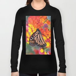 Monarch Feeding on Lantana Long Sleeve T-shirt
