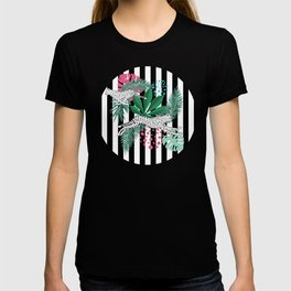 Vintage animalistic design with running cheetah over stripes T-shirt