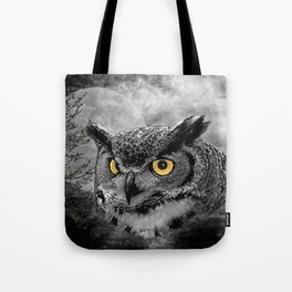 Black & White Great Horned Owl Bird Yellow eye Moon Tree A415 Tote Bag