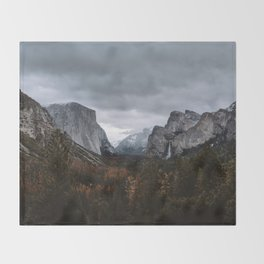 YOSEMITE TUNNEL VIEW Throw Blanket