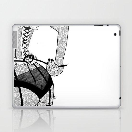 La femme n.7 Laptop & iPad Skin