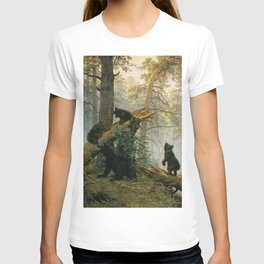 Morning in a Pine Forest by Shishkin and Savitsky (1889) T-shirt