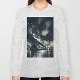 manhattan bridge in nyc Long Sleeve T-shirt