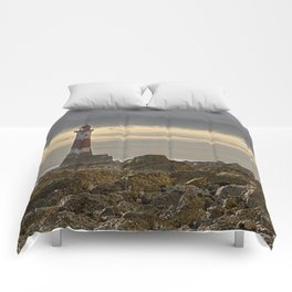 Beachy Head Lighthouse And Foreshore Comforters