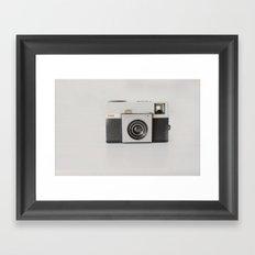 vintage camara Framed Art Print