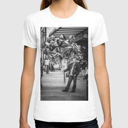 The balloon man II T-shirt