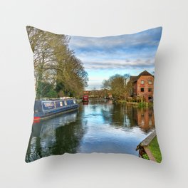 The Kennet At West Mills Newbury Throw Pillow