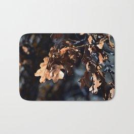 Winter oak leaves Bath Mat