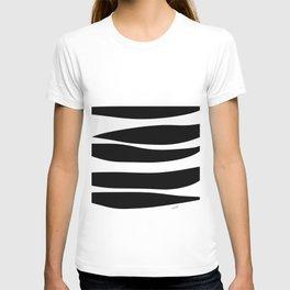 Irregular Stripes Black White Waves Art Design T-shirt