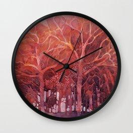 Alberi rossi nel bosco Wall Clock