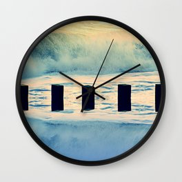 Surf breaker Wall Clock