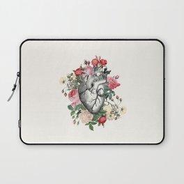 Roses for her Heart Laptop Sleeve
